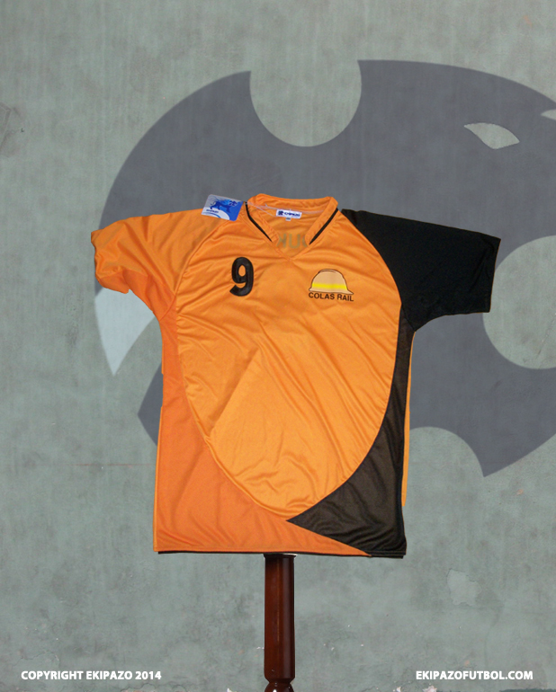 maillot-foot-orange-noir-illu